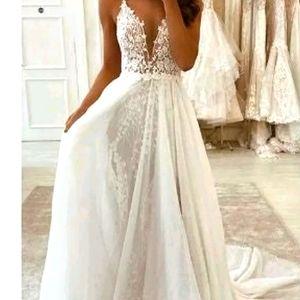 LAST CHANCE! Hebos Wedding Dress